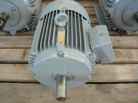 WESTERN ELECTRIC 7.5HP 3 PHASE ELECTRIC MOTOR/ 145 - picture2' - Click to enlarge