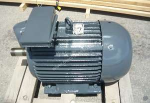 CMG 40HP 3 PHASE ELECTRIC MOTOR/ 2940RPM