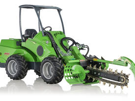 Avant Hydraulic Chain Trencher Mini Loader - picture0' - Click to enlarge