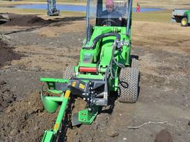 Avant Hydraulic Chain Trencher Mini Loader - picture2' - Click to enlarge