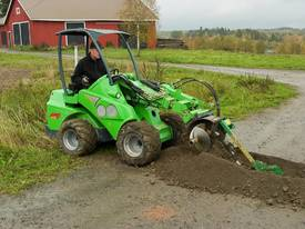 Avant Hydraulic Chain Trencher Mini Loader - picture4' - Click to enlarge