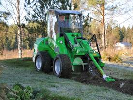 Avant Hydraulic Chain Trencher Mini Loader - picture6' - Click to enlarge