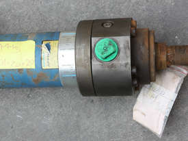 Hydraulic Cylinder ram 80 Bore 680 Stroke - picture2' - Click to enlarge