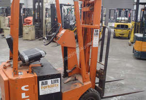 Clark 1t Container Forklift