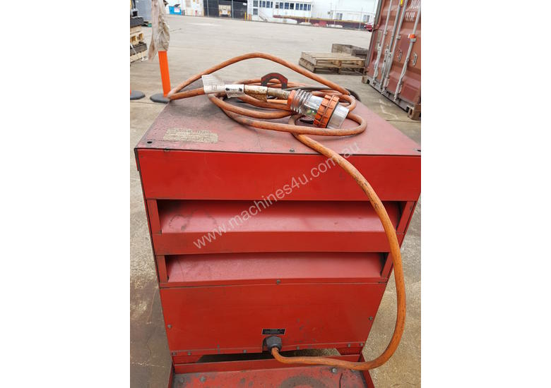 Welding Machine with electric wire roller