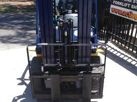 Komatsu Forklift 2.5 Ton 4.3m Lift Height Container Entry  Refurbished - picture1' - Click to enlarge