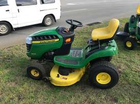 John Deere D105 Standard Ride On Lawn Equipment - picture0' - Click to enlarge