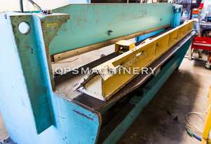 Used Epic 2.47m x 3mm UD3 Hydraulic Guillotine