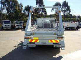 Fuso Fighter 2427 Hooklift/Bi Fold Truck - picture5' - Click to enlarge