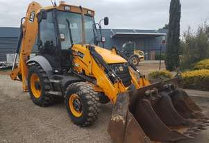 JCB 3CX BACKHOE 2010 MODEL WITH 3356 HOURS. READY FOR WORK
