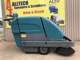 Tennant S10 Battery Powered Walk Behind Sweeper - picture1' - Click to enlarge