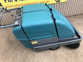 Tennant S10 Battery Powered Walk Behind Sweeper - picture2' - Click to enlarge