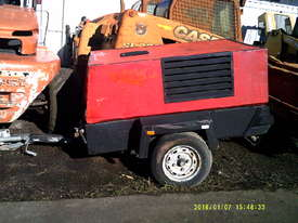 130cfm Kaeser M38 , 3cyl deutz , 1800 hrs , 2000 model - picture0' - Click to enlarge