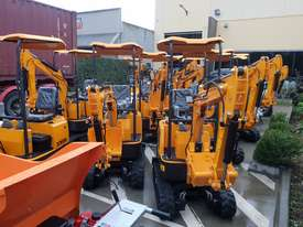 Mini excavator New model rhino xno8  2018  with all attachments  - picture3' - Click to enlarge