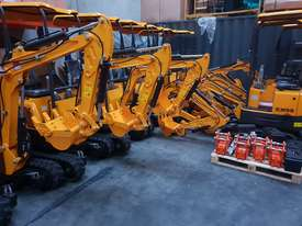 Mini excavator New model rhino xno8  2018  with all attachments  - picture11' - Click to enlarge