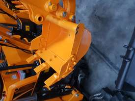 Mini excavator New model rhino xno8  2018  with all attachments  - picture12' - Click to enlarge