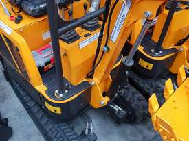 Mini excavator New model rhino xno8   with all attachments  - picture14' - Click to enlarge