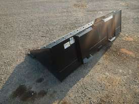 Unused CAT 2000mm 279-5376 GP Bucket  - picture2' - Click to enlarge