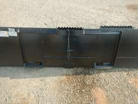 Unused CAT 2000mm 279-5376 GP Bucket  - picture5' - Click to enlarge