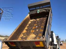 Mitsubishi Fighter Tipper 270hp, Call EMUS.. - picture16' - Click to enlarge