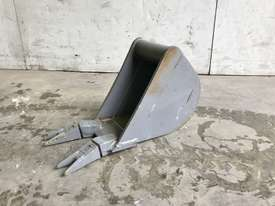 UNUSED 200MM DIGGING BUCKET TO SUIT 1-2T EXCAVATOR E020 - picture0' - Click to enlarge
