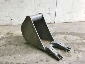 UNUSED 200MM DIGGING BUCKET TO SUIT 1-2T EXCAVATOR E020 - picture1' - Click to enlarge