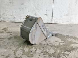 UNUSED 200MM DIGGING BUCKET TO SUIT 1-2T EXCAVATOR E020 - picture2' - Click to enlarge