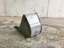 UNUSED 200MM DIGGING BUCKET TO SUIT 1-2T EXCAVATOR E020 - picture3' - Click to enlarge