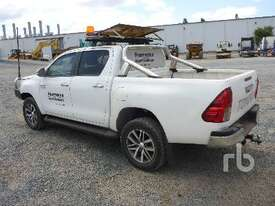 TOYOTA HILUX Ute - picture3' - Click to enlarge
