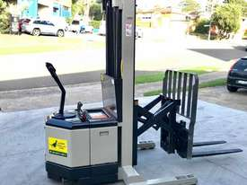 Crown 1.5T Walkie Reach Stacker Forklift with 4.5m Lift FOR SALE - picture0' - Click to enlarge