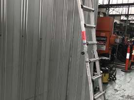 Mighty Max Telescopic Ladder Folding Aluminum 4.5 Meter 150 kgs SWL - picture8' - Click to enlarge