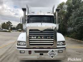 2013 Mack CMHT Trident - picture2' - Click to enlarge