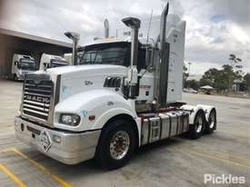 2013 Mack CMHT Trident - picture3' - Click to enlarge
