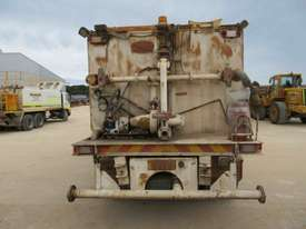 2006 HINO FM WATER TRUCK - picture2' - Click to enlarge