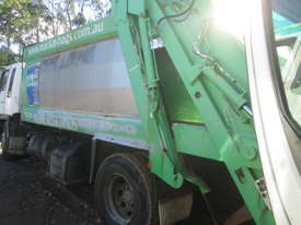 1998 Hino FG1J - Wrecking - Stock ID 1626 - picture2' - Click to enlarge