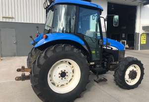 New Holland   4WD Tractor