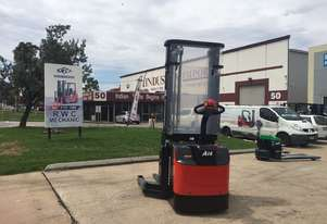 Brand New Hangcha 1.6 Ton Electric Stacker with reach fork