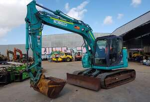 2016 KOBELCO SK135SR-3 15T EXCAVATOR WITH 3350 HOURS, FULL CIVIL SPEC.