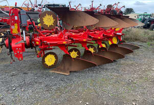 Pottinger SERVO 45S Mouldboard Plough Tillage Equip