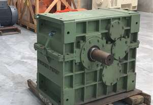 Hansen Gearbox Reduction Box Type 711TP Rated 520 KW Ratio 4.26:1 Frame Size 700 Unused