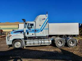 2002 Mack Trident - picture0' - Click to enlarge