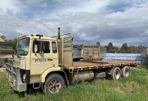 Volvo 1985   F7 rigid tray