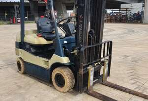 Toyota 2.5T Electric 4 Wheel with Container Mast