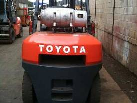 Toyota 6FG45 Forklift - picture2' - Click to enlarge