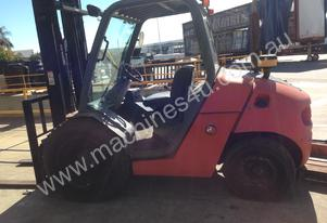 msi 30D manitou , 4x2 , 2 stage side shift tyne