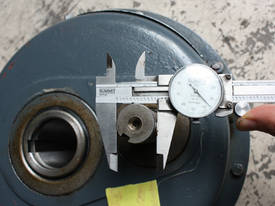 Shaft mounted speed reducer 5:1 Ratio gear box - picture2' - Click to enlarge