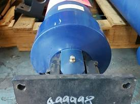 Well Mount TIpping Hoist FS4-172-6246 END OF LINE - picture1' - Click to enlarge