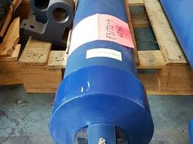 Well Mount TIpping Hoist FS4-172-6246 END OF LINE - picture2' - Click to enlarge