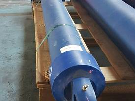 TIPPING HOIST Well Mount Raised Trunnion - picture8' - Click to enlarge