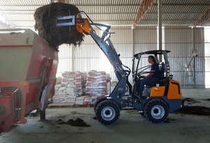 GIANT D337T NEW ARTICULATED MINI LOADER